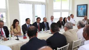 Presidente Danilo Medina se reúne con desarrolladores de la Ciudad Juan Bosch.
