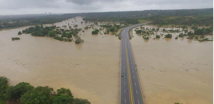 X fallecidaX desaparecidasX 56 comunidades aisladasX desplazadosX inundaciones