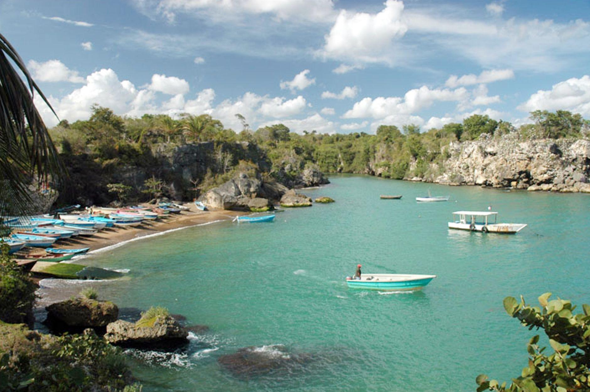 X polos turísticosX Bayahíbe y Punta CanaX Club Náutico de Santo DomingoX Boca de YumaX Torneo Internacional Pesca del Pez VelaX cueva de Los BernardX paraíso tranquiloX apacible y un amanecer luminoso e inolvidable