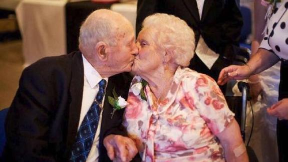 X Joyce y FrankX Reino UnidoX Fundación Británica del CorazónX 77 años