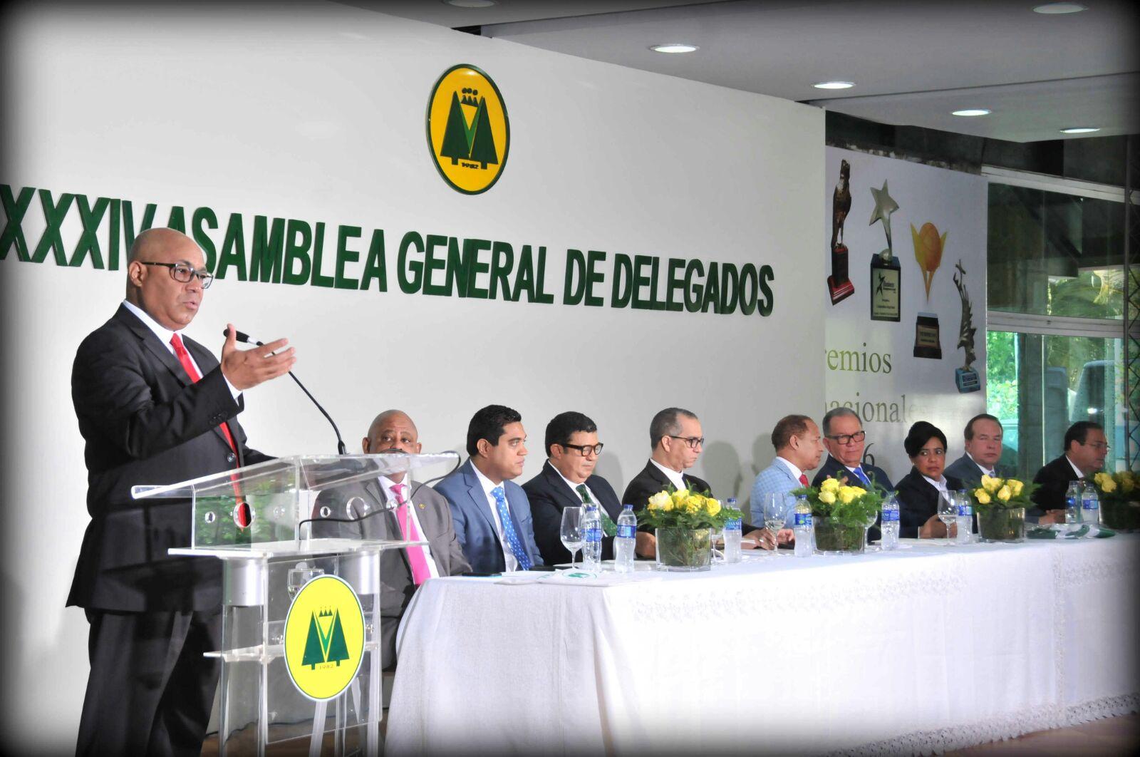 X Cooperativa Vega RealX trigésima cuarta Asamblea General de DelegadosX banderaX tres mil millones de pesosX CooperativaX Vega Real