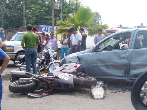 X accidentes de tránsitoX alta velocidadX ingesta de alcoholX muertosX varios heridosX Este