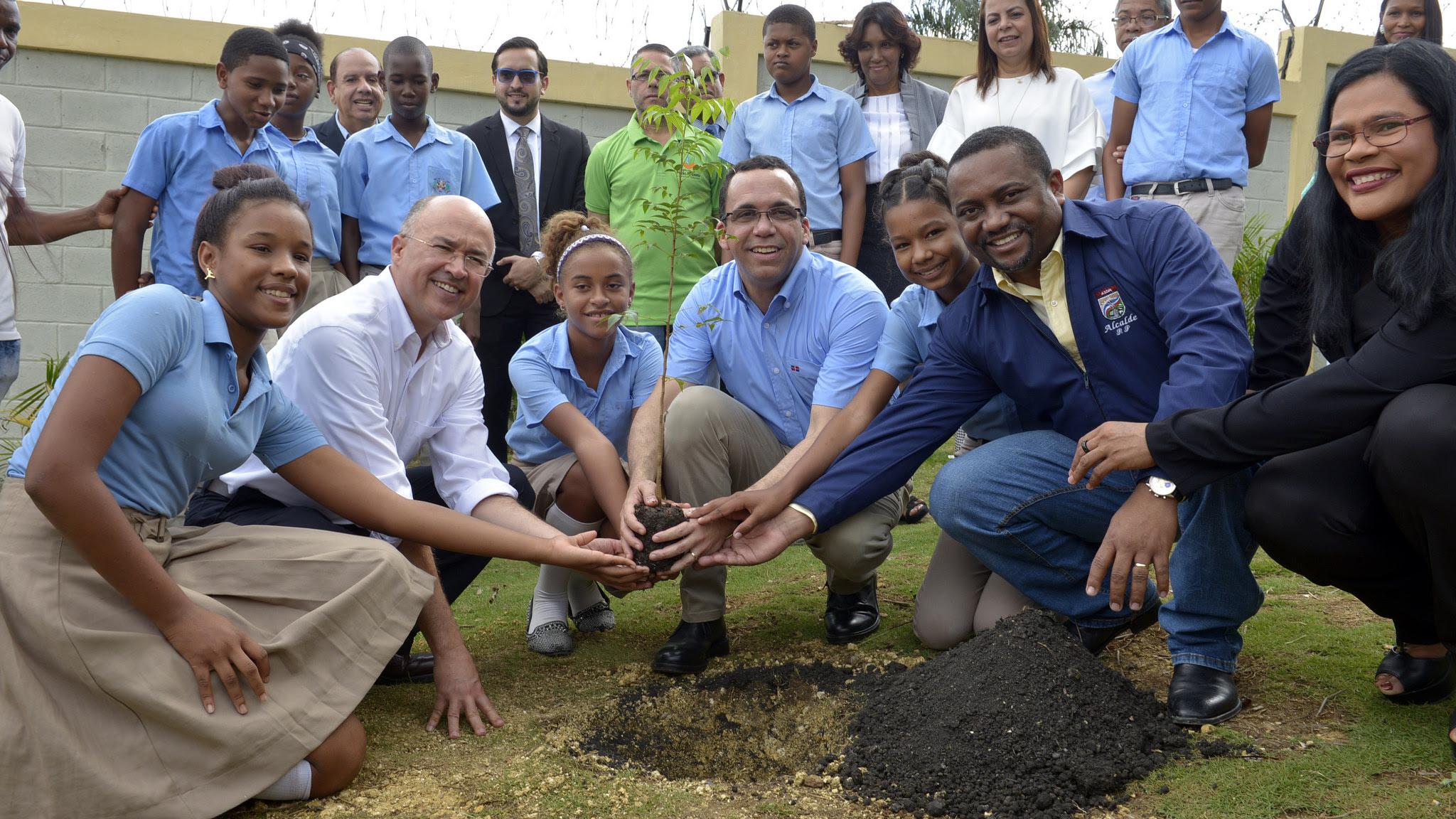 Eliminar término: educación y medio ambiente educación y medio ambienteEliminar término: creciendo con mi árbol creciendo con mi árbolEliminar término: árboles árboles