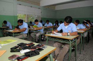 Eliminar término: celulares celularesEliminar término: aulas aulasEliminar término: escuelas escuelasEliminar término: liceos y colegios liceos y colegios